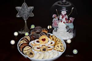 Обои Праздники Новый год Выпечка Печенье Снеговики Еда фото
