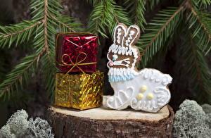 Обои Праздники Новый год Выпечка Печенье Кролики Ветки Подарки Еда фото