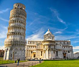 Фотография Италия Храмы Небо Газон Piazza dei Miracoli Pisa Города