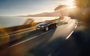 Картинка Дороги Кабриолета Едущая Rolls-Royce Dawn авто