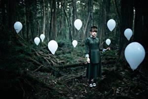 Фотографии Леса Азиаты Воздушные шарики The Soul Taker девушка