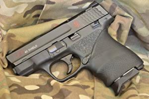 Обои Пистолеты Крупным планом Shield 40 Армия фото