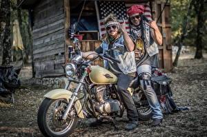 Картинка Мужчины Мотоциклы