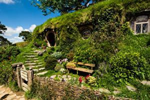 Обои Новая Зеландия Парк Дома Лестницы Кусты Скамья Matamata Hobbiton park Природа