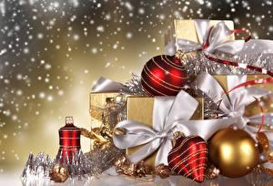 Обои Праздники Новый год Шарики Подарки Бантик фото