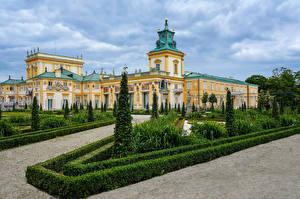 Фотография Польша Ландшафтный дизайн Варшава Дворец Кусты Wilanow Palace