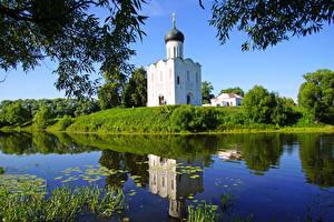 Обои Россия Храмы Речка Suzdal Города Природа