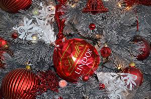 Обои Новый год Сладости Конфеты Ветки Шарики Еда фото