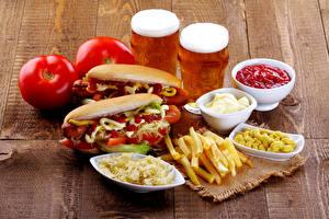 Картинки Хот-дог Помидоры Картофель фри Пиво Кетчупом Стакана Два Пища
