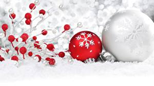 Обои Праздники Новый год Шарики Снег фото