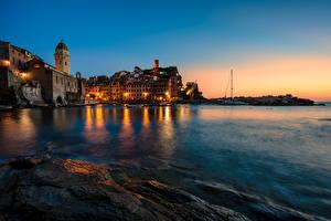 Обои Италия Дома Море Вернацца Чинкве-Терре парк Ночь Уличные фонари Города фото