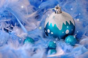 Обои Перья Праздники Новый год Шарики фото