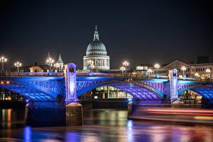 Картинки Великобритания Реки Мосты Англия Собор Лондоне Ночные Уличные фонари St Pauls Cathedral город