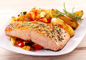 Обои Вторые блюда Рыба Картофель фри Овощи Еда фото