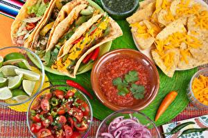 Фотография Фастфуд Овощи Лимоны Кетчуп Чипсы Mexico Tacos Продукты питания