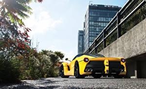 Фотографии Ferrari Желтый laferrari supercar