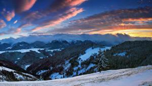 Картинка Рассветы и закаты Пейзаж Горы Леса Зима Небо Облака Природа