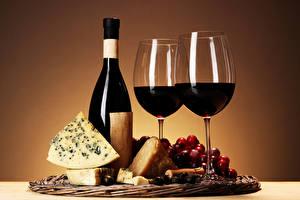 Фотографии Вино Виноград Сыры Бокал Бутылки Продукты питания