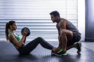 Картинки Фитнес Мужчины 2 Тренер Физические упражнения Девушки