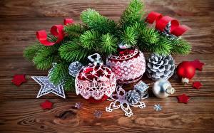 Фото Праздники Рождество Шарики Шишки Снежинки