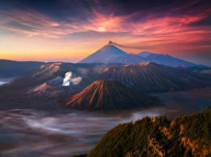 Картинки Индонезия Горы Пейзаж Небо Вулкан Java Природа