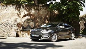 Фотография Форд Черный Седан 2015 Vignale Mondeo Sedan Авто