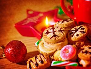 Обои Печенье Выпечка Праздники Новый год Шарики Еда фото