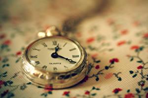 Картинка Часы Карманные часы Вблизи