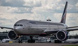 Обои Самолеты Пассажирские Самолеты Boeing B-777 Авиация фото