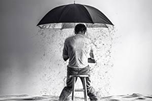 Картинки Дождь Мужчины Креатив Зонт Сидит