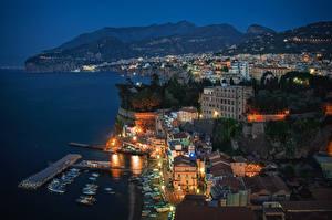 Фотографии Дома Берег Италия Сорренто Ночь Сверху Города