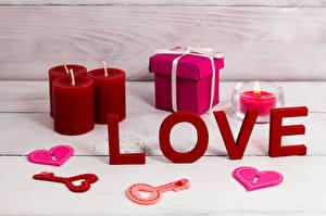 Фотографии День всех влюблённых Свечи Любовь Сердце Подарки