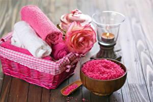 Картинка Свечи Розы Полотенце Физиотерапия Соли Миска