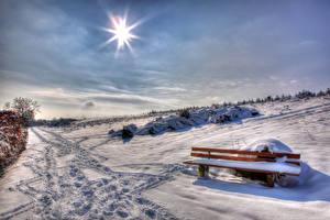 Обои Зима Снега Скамейка Лучи света HDR Природа
