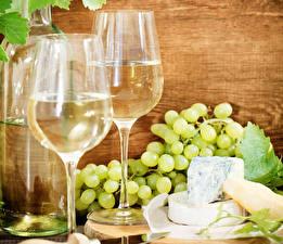 Картинка Вино Виноград Сыры Бокал Бутылки Еда