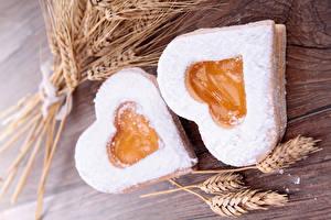 Фотографии День святого Валентина Выпечка Печенье Сердце Двое Колос Еда
