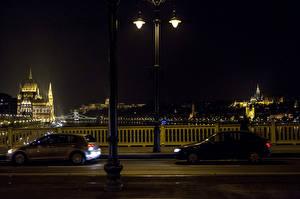 Обои Будапешт Здания Мост Венгрия Ночью Уличные фонари Города