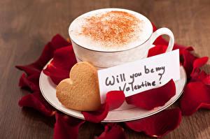 Фото День святого Валентина Кофе Печенье Капучино Чашка Лепестки Сердечко Еда