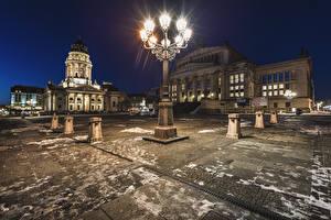 Картинки Берлин Германия Дома Ночью Уличные фонари Улица Города