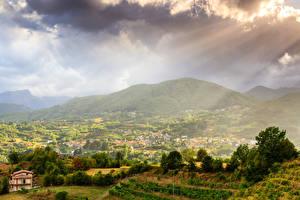 Фотография Италия Пейзаж Горы Здания Тоскана Облака Garfagnana Природа