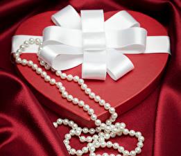 Фотография День святого Валентина Украшения Жемчуг Сердце Бантик