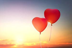 Фотография День всех влюблённых Небо Сердце Вдвоем Воздушные шарики