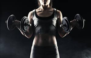 Картинка Фитнес Майка Гантели Тренировка Спорт Девушки