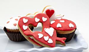 Картинки День святого Валентина Выпечка Печенье Капкейк кекс Сердце Еда