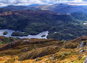 Картинка Шотландия Пейзаж Горы Озеро Леса Loch Drunkie Природа
