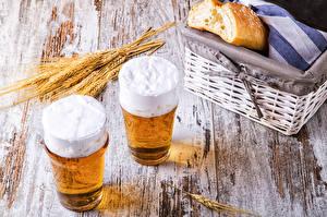 Фотография Напиток Пиво Хлеб Стакан Двое Колос Корзины Продукты питания