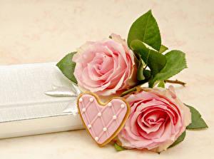 Обои День святого Валентина Розы Печенье Розовый Сердце Цветы