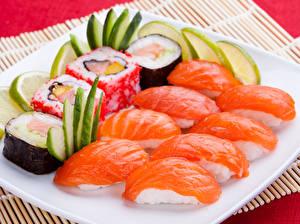 Обои Морепродукты Суси Рыба Лимоны