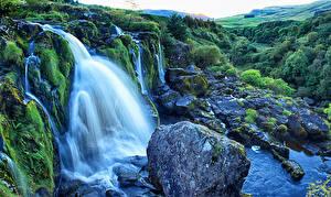 Фотография Шотландия Водопады Камни Мох Loup of Fintry Природа