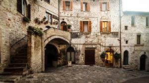 Фотографии Дома Италия Улица Assisi Perugia Umbria Города